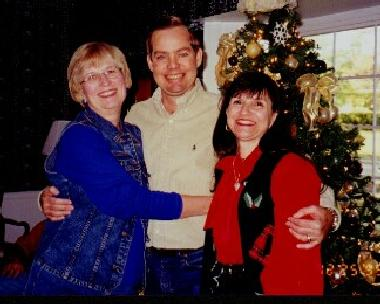 Liz Larry & JoAnna at Xmas 99b.jpg (22883 bytes)
